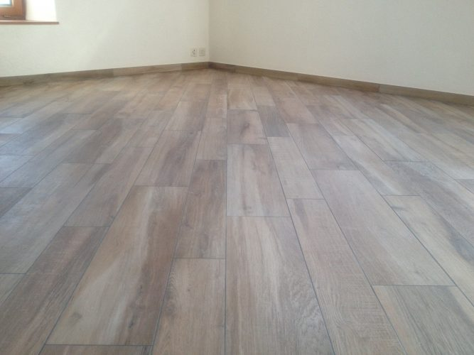 Carrelage imitation parquet 1/2